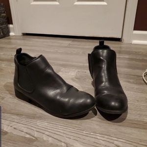 Shoes - American black booties size 7.5